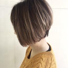 ゆるふわ ストリート アッシュ ボブ ヘアスタイルや髪型の写真・画像