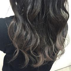 暗髪 外国人風 グラデーションカラー グレージュ ヘアスタイルや髪型の写真・画像