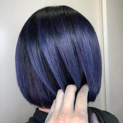 切りっぱなしボブ ストリート ダブルカラー パープル ヘアスタイルや髪型の写真・画像