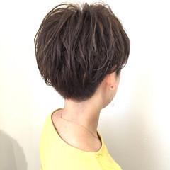 刈り上げ パーマ ショート 大人かわいい ヘアスタイルや髪型の写真・画像