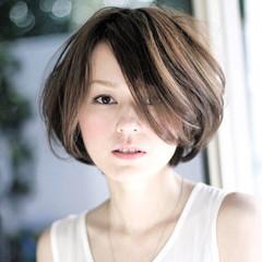 ハイライト 色気 アッシュ 外国人風 ヘアスタイルや髪型の写真・画像