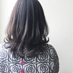 アッシュ 似合わせ セミロング 上品 ヘアスタイルや髪型の写真・画像
