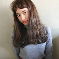 シースルーバング 外国人風 ナチュラル セミロング ヘアスタイルや髪型の写真・画像