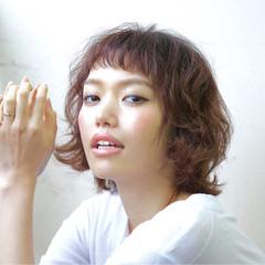 オン眉 簡単 モード フェミニン ヘアスタイルや髪型の写真・画像