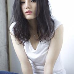 アンニュイ 暗髪 黒髪 ロング ヘアスタイルや髪型の写真・画像