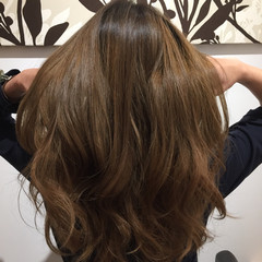 ブラウンベージュ フェミニン ミルクティーベージュ ロング ヘアスタイルや髪型の写真・画像
