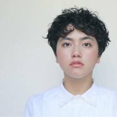 パーマ ガーリー ショート マッシュ ヘアスタイルや髪型の写真・画像
