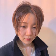 抜け感 センターパート 前髪なし ショート ヘアスタイルや髪型の写真・画像