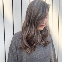 ハイライト ナチュラル デート アンニュイほつれヘア ヘアスタイルや髪型の写真・画像