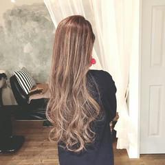 冬 ゆるふわ パーマ フェミニン ヘアスタイルや髪型の写真・画像