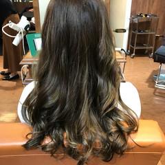 ハイライト リラックス ロング フェミニン ヘアスタイルや髪型の写真・画像