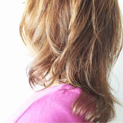 アンニュイ ミルクティー ミルクティーベージュ ナチュラル ヘアスタイルや髪型の写真・画像