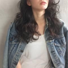 春 モード パンク セミロング ヘアスタイルや髪型の写真・画像