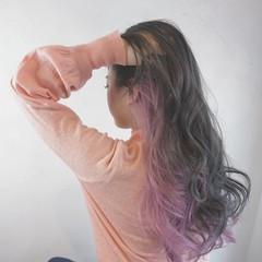 アッシュ インナーカラー ストリート ピンク ヘアスタイルや髪型の写真・画像