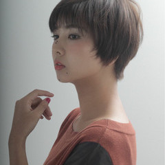 ナチュラル フェミニン アッシュ 外国人風 ヘアスタイルや髪型の写真・画像