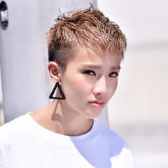 ベリーショート 刈り上げ ショート ハイトーン ヘアスタイルや髪型の写真・画像