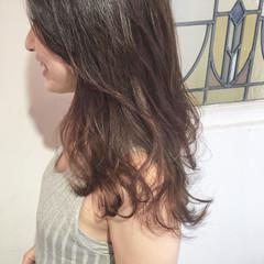 オフィス フェミニン ウェーブ デート ヘアスタイルや髪型の写真・画像