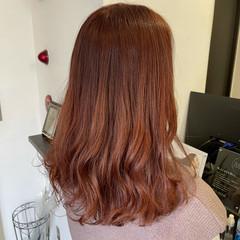 フェミニン セミロング ピンクブラウン ピンクベージュ ヘアスタイルや髪型の写真・画像
