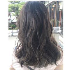 外国人風カラー グレージュ ハイライト ロング ヘアスタイルや髪型の写真・画像