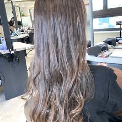 グレージュ アッシュグレージュ 大人かわいい インナーカラーグレージュ ヘアスタイルや髪型の写真・画像