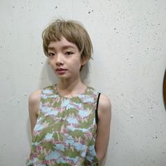ナチュラル ダブルカラー 金髪 ハイトーン ヘアスタイルや髪型の写真・画像