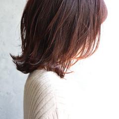 ピンクアッシュ くびれボブ 外ハネボブ ナチュラル ヘアスタイルや髪型の写真・画像