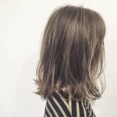 ボブ ストリート ウェットヘア グラデーションカラー ヘアスタイルや髪型の写真・画像