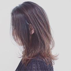 外国人風カラー セミロング 巻き髪 グラデーションカラー ヘアスタイルや髪型の写真・画像