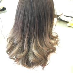 セミロング ガーリー アッシュ グラデーションカラー ヘアスタイルや髪型の写真・画像