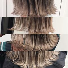 ミディアム エレガント アッシュベージュ ベージュ ヘアスタイルや髪型の写真・画像