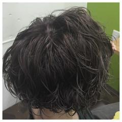暗髪 ショート パーマ ストリート ヘアスタイルや髪型の写真・画像