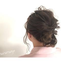 リラックス 雨の日 セミロング ナチュラル ヘアスタイルや髪型の写真・画像