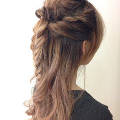 ねじり ショート 簡単ヘアアレンジ 編み込み ヘアスタイルや髪型の写真・画像