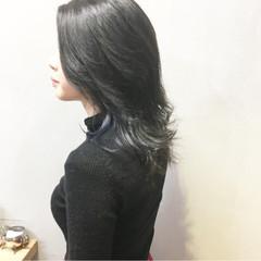 ブルーバイオレット インナーブルー ナチュラル 切りっぱなしボブ ヘアスタイルや髪型の写真・画像