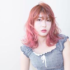 ピンク ミディアム ガーリー ピンクパープル ヘアスタイルや髪型の写真・画像