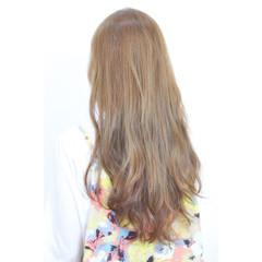 パーマ 大人かわいい グラデーションカラー ナチュラル ヘアスタイルや髪型の写真・画像