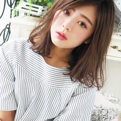フェミニン 外ハネ かっこいい 外国人風 ヘアスタイルや髪型の写真・画像
