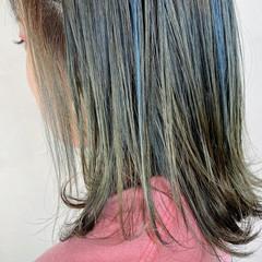 ミディアム ガーリー ホワイトハイライト ネイビーブルー ヘアスタイルや髪型の写真・画像