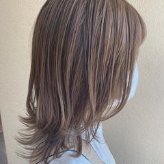 ヌーディベージュ シアーベージュ ベージュ ナチュラル ヘアスタイルや髪型の写真・画像