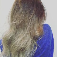 グレージュ グラデーションカラー 外国人風カラー ストリート ヘアスタイルや髪型の写真・画像