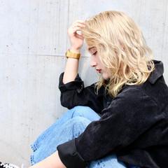 ブロンド ハイトーンカラー モード プラチナブロンド ヘアスタイルや髪型の写真・画像