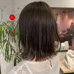 ナチュラル ミディアム ベージュ オリーブブラウン ヘアスタイルや髪型の写真・画像