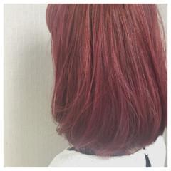 レッド ピンク 透明感 ミディアム ヘアスタイルや髪型の写真・画像