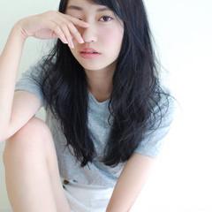 暗髪 黒髪 ゆるふわ ガーリー ヘアスタイルや髪型の写真・画像