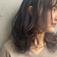 アンニュイほつれヘア 大人かわいい セミロング 濡れ髪スタイル ヘアスタイルや髪型の写真・画像