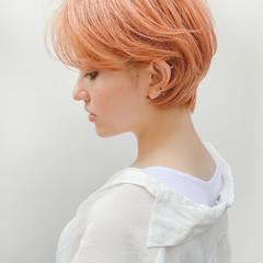 ショートヘア ショートボブ フェミニン ハイトーンカラー ヘアスタイルや髪型の写真・画像