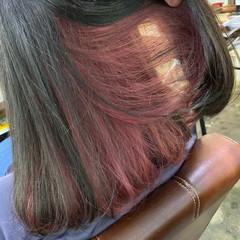 セミロング ストリート インナーカラー ワンレングス ヘアスタイルや髪型の写真・画像