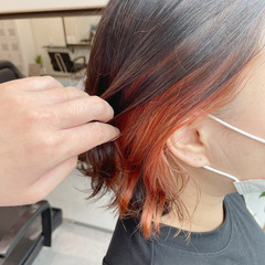 オレンジカラー インナーカラー ボブ オレンジ ヘアスタイルや髪型の写真・画像