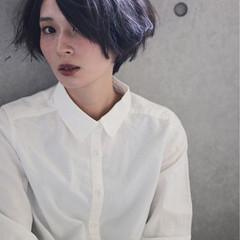 ショート 暗髪 かっこいい ジェンダーレス ヘアスタイルや髪型の写真・画像