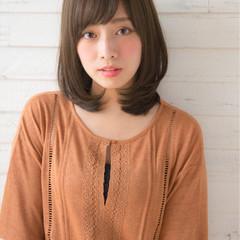 パーマ 色気 ミディアム ナチュラル ヘアスタイルや髪型の写真・画像